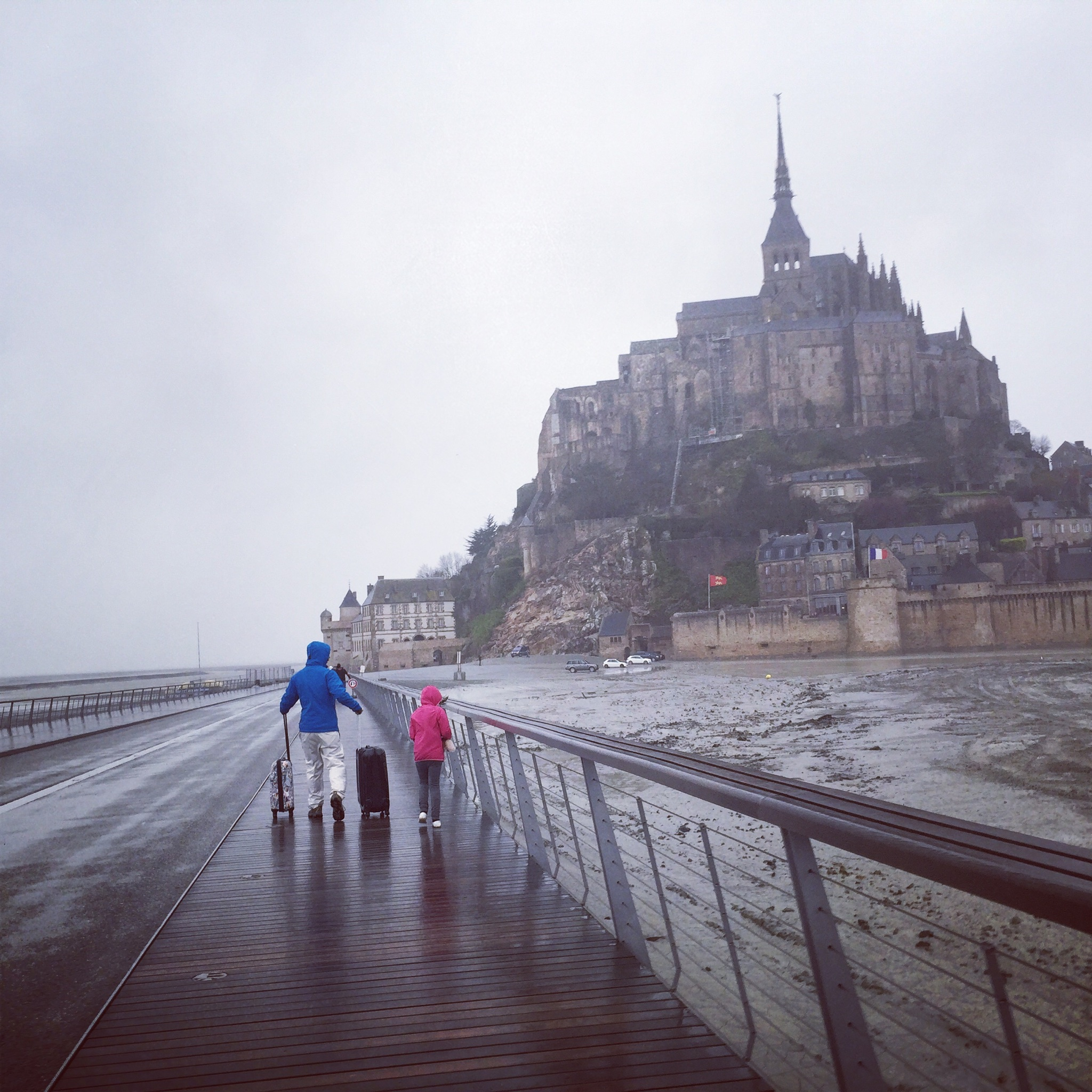 a rainy overnight in mont st  michel   karilogue